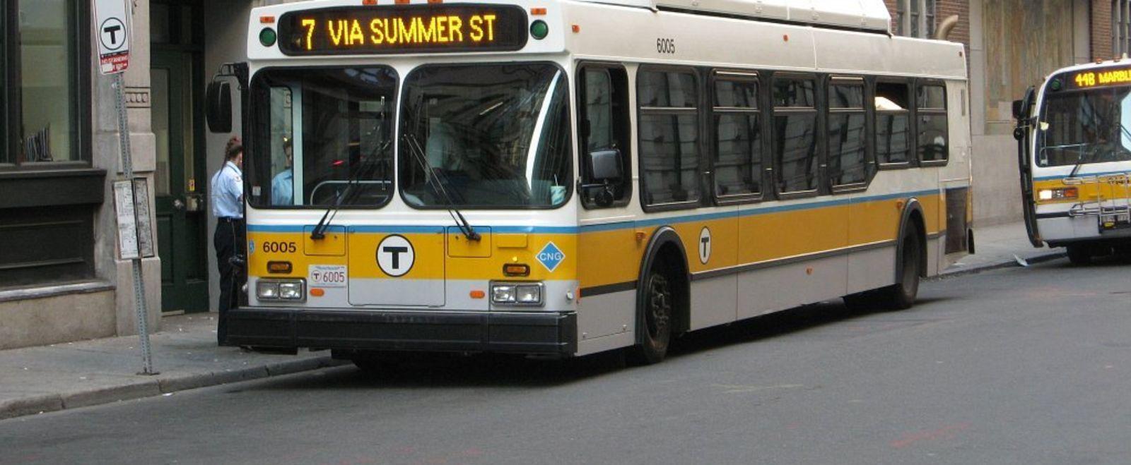 Boston Bus Commonwealth Mag