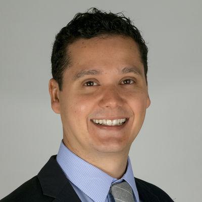 Manuel Esquivel Headshot