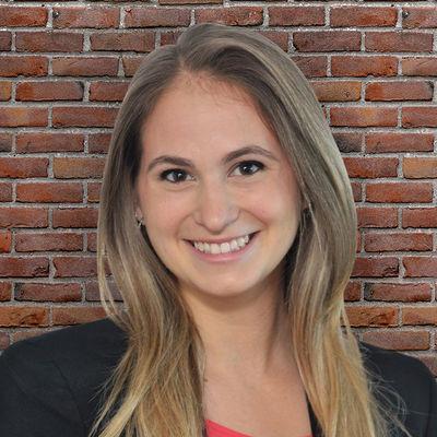 Julie Rosen headshot brick